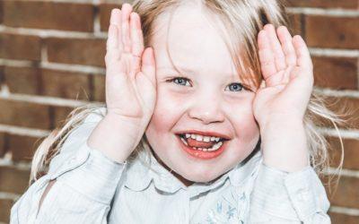 Hoe help je een verlegen kind? Ik geef je 10 tips.